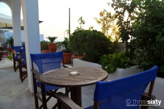 accommodation pelagos hotel tables