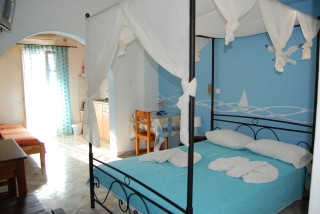 aegeon pelagos hotel bedroom - 03