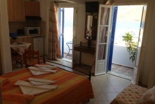 aegeon pelagos hotel bedroom - 09
