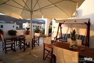 facilities pelagos hotel sitting area